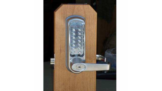 UML_07_Codelocks_CL600_Mechanical_Pushbutton_Lock