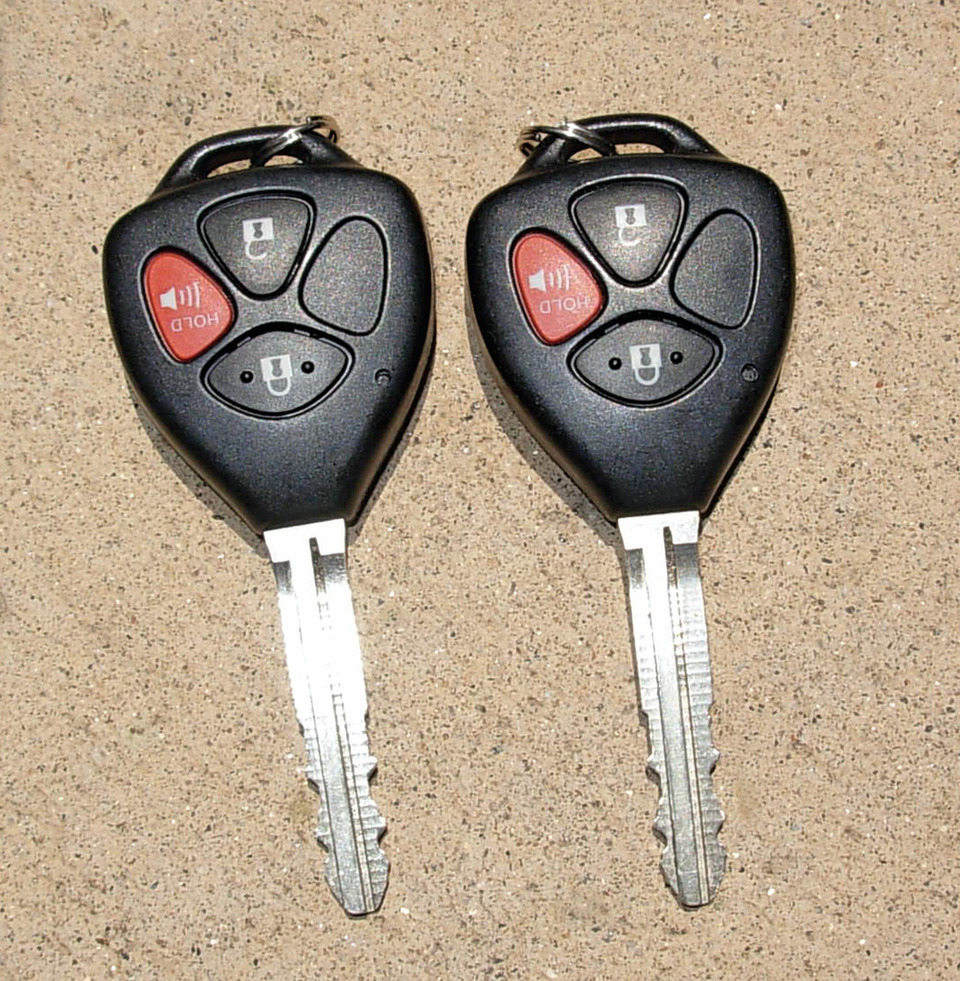 Programming and Cloning Automotive Transponder-Equipped Keys