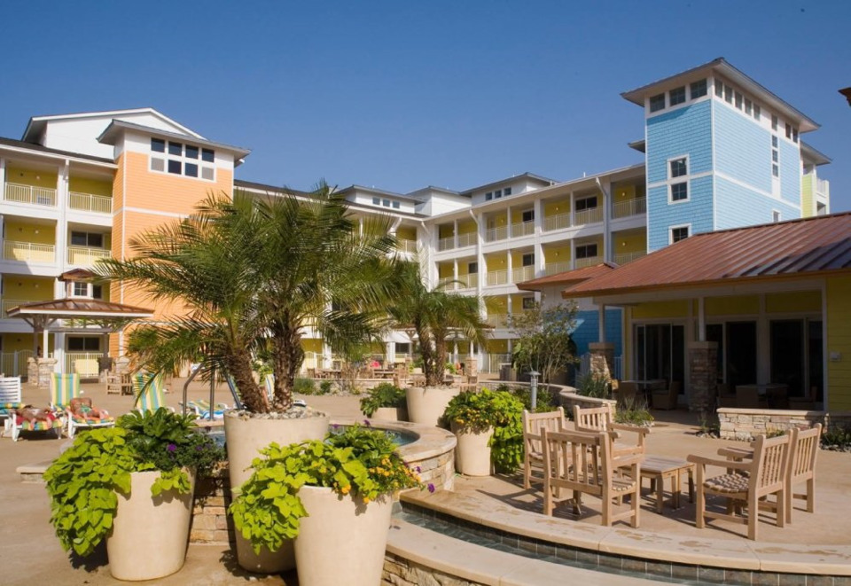 Virginia Beach Condo Resort Expands Multi-Building Security With