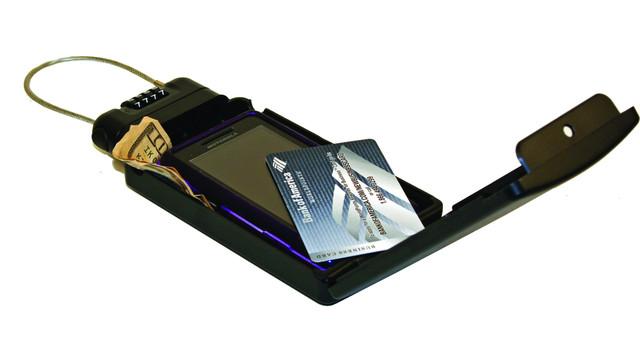 portable_safe_10244360.jpg