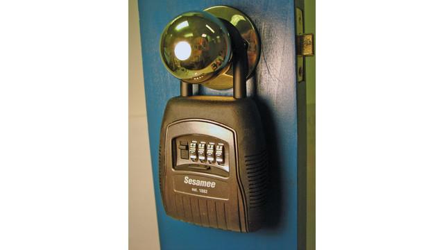 padlock2_10737648.tif