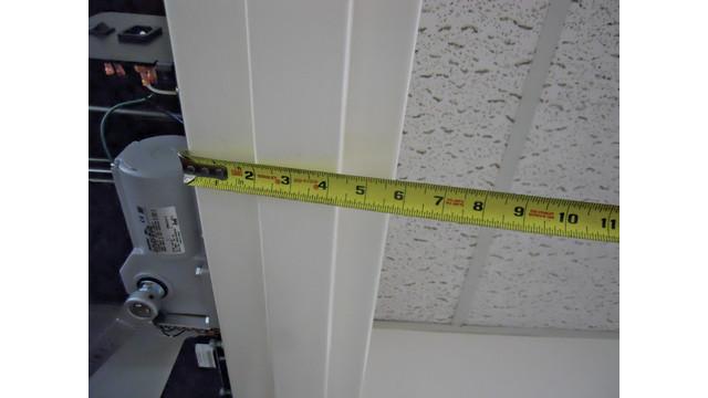 21--measuring-doorjamb_10752652.tif