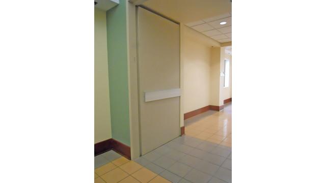 cross-corridor-pocketed-doors_10796654.tif