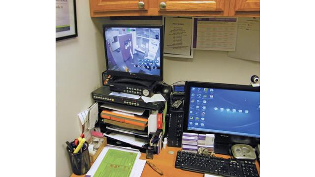 desk-2_10812431.tif