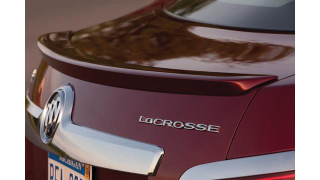 2011-buick-lacrosse-033_10827195.tif