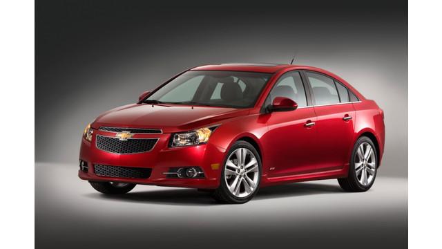 2013-Chevrolet-CruzeRS-009-medium.jpg