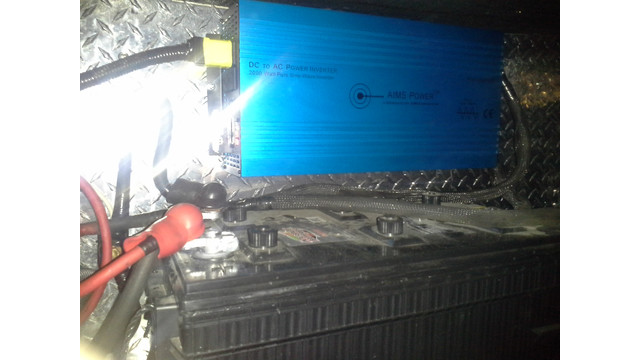 inverter-mounted-above-battery_11217700.psd