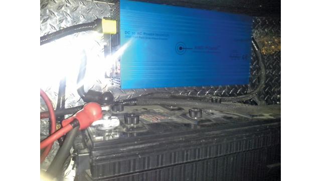 inverter-mounted-above-battery_11217700.psd