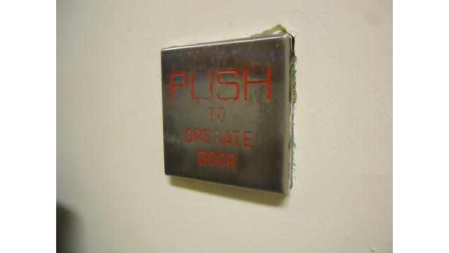 push-plate-abuse_11302189.psd