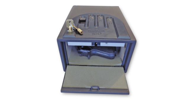 hgs-08-gunvault-gvb-1000-front_11356485.psd