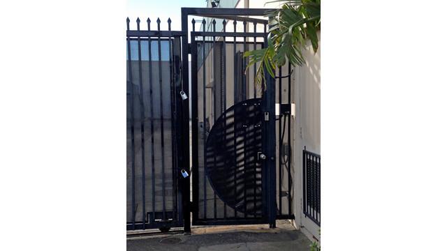 padlock-as-additional-security_11429498.psd