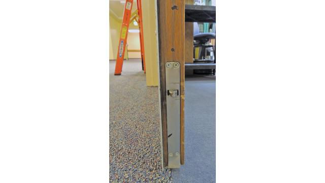 door-three-03--lower-automatic_11430798.psd