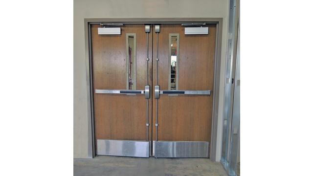 door-two-02--surface-vertical-_11430777.psd