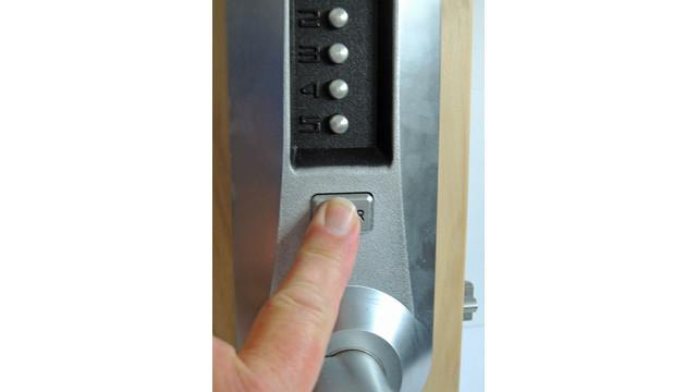 s08--press-enter-button_11487620.psd
