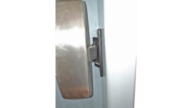 ddi-83-exit-device-latch-secur_11477196.psd