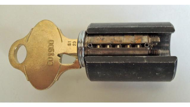 sep-12-plug-with-side-bar-remo_11536914.psd