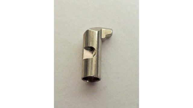 sep-15-finger-pin-close-up_11536917.psd