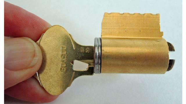 sep-22-shell-vertical-edge-aga_11536929.psd