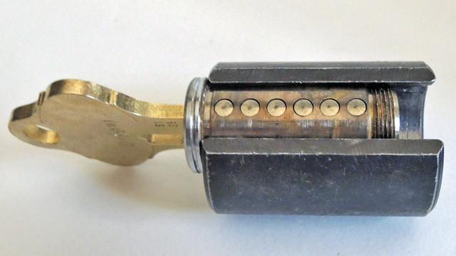 sep-08-six-pin-tumbler-chamber_11536908.psd