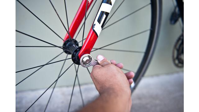 Nutlock-on-bike-5.jpg